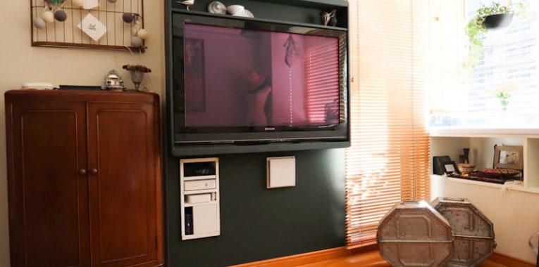 TVボードをなしくてスッキリ